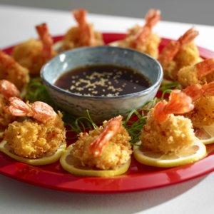 Crispy-lemon-and-garlic-praws-recipe-West-End-Magazine-www.westendmagazine.com