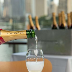 Champagne Saturdays at Stokehouse Q